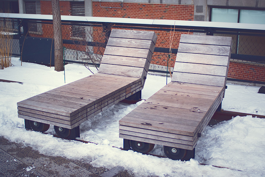 fashion-style-new-york-high-line-park-moving-benches-Feb-01-2015-01