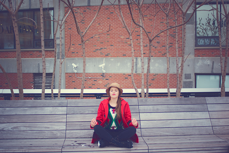 fashion-style-sitting-red-coat-vintage-hat-jeffrey-campbell-boots-skinni-jeans--Feb-01-2015-01