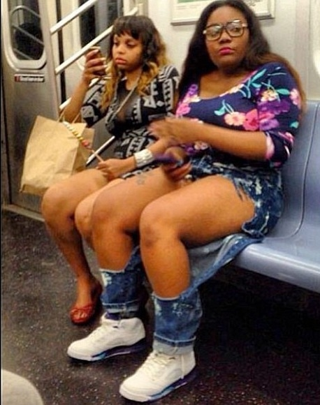 Knee Peep Show: Huge Two Ripped Knee Jeans Outfits