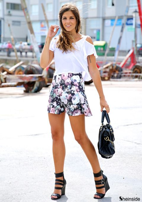 How To Wear Crop Top With Shorts