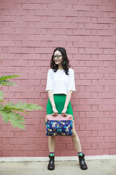 How To Wear Crop Top With Short Skirt
