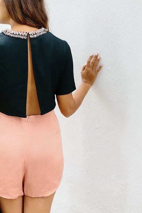 BEFORE & AFTER: THE BACKLESS CROP TOP