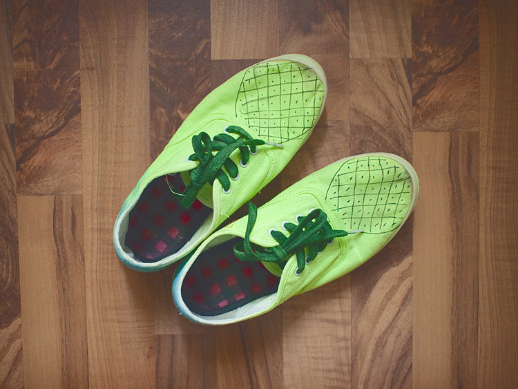 Pineapple Shoes DIY Result